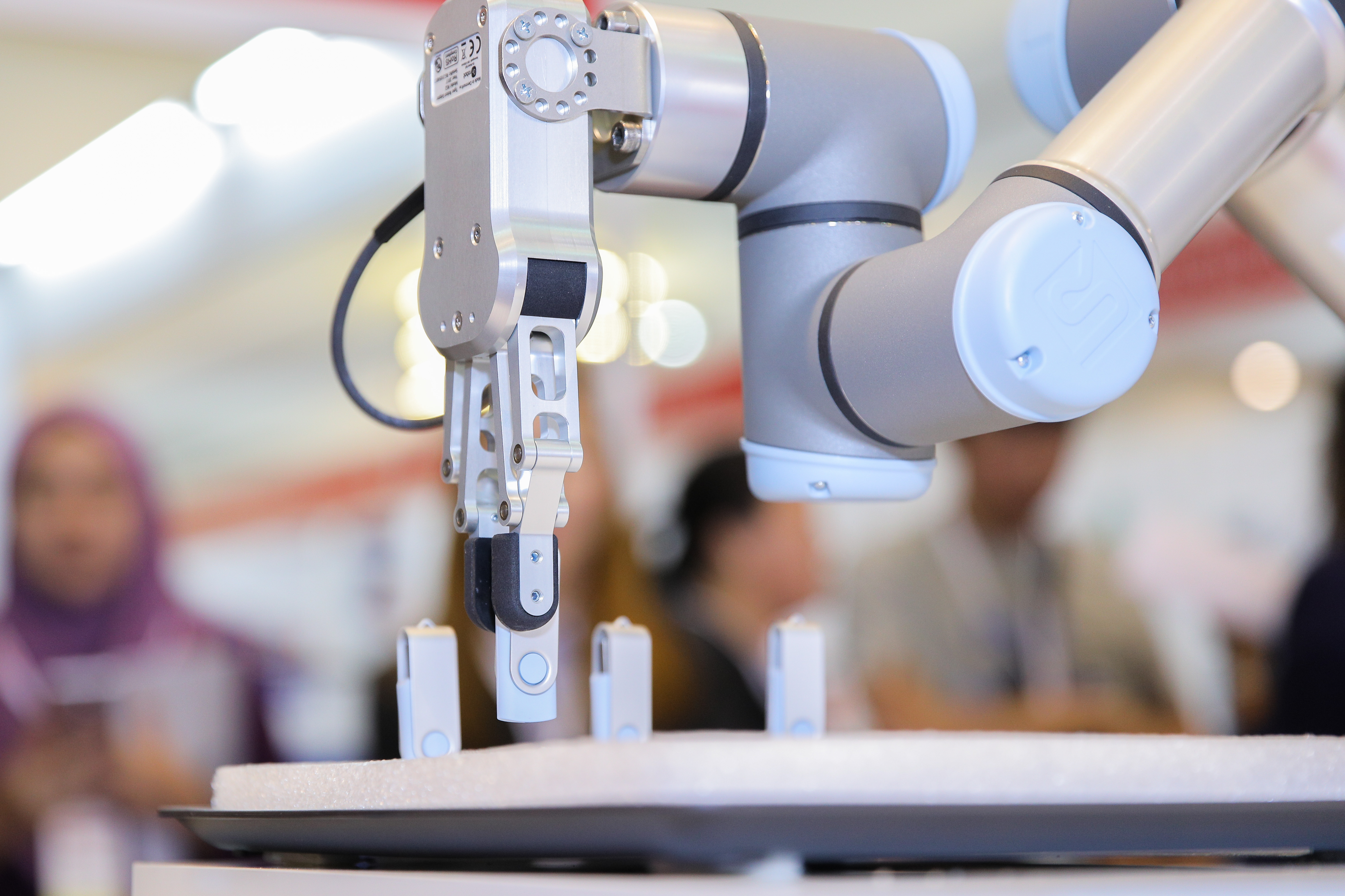 The Raise Of S̶k̶y̶n̶e̶t̶ Robot Automation By Universal